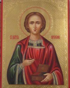 Рукописная икона Пантелеймон Целитель с резьбой купить с доставкой