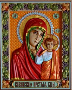 Резная икона Казанская Божия Матерь