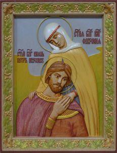 Резная икона средняя Петр и Феврония купить с доставкой