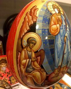 Пасхальное яйцо рукописное Воскресение Христово с Ангелами