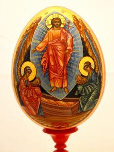 Пасхальное яйцо рукописное Воскресение Господне с Ангелами