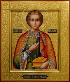 Рукописная икона Пантелеймон Целитель с резьбой 27 (Размер 27*31 см)