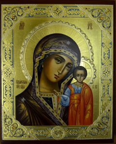 Казанская икона Богородицы с резьбой и узором