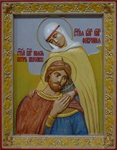 Резная икона средняя Петр и Феврония (Размер 26*32 см)
