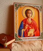 Резная икона Пантелеймон Целитель