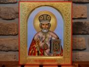 Рукописная икона Николай Чудотворец с резьбой и золочением